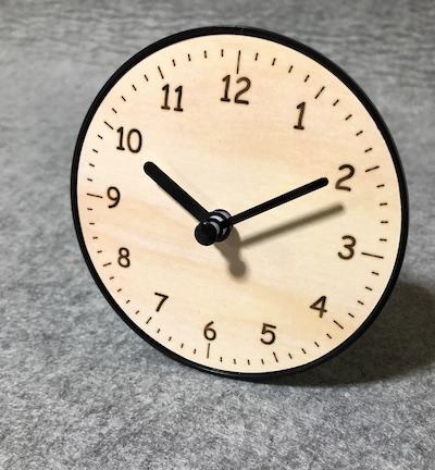 スタンド付き時計文字盤は裸